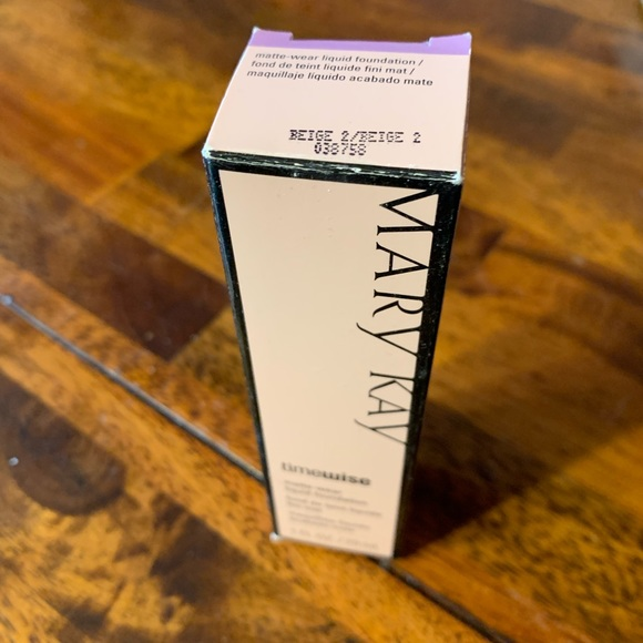 Mary Kay Other - MaryKay Matte-wear Liquid Foundation in Beige 2